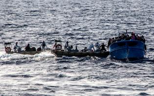http://www.seguonews.it/sbarco-a-portopalo-allalba-soccorsi-245-profughi-molti-sono-bambini