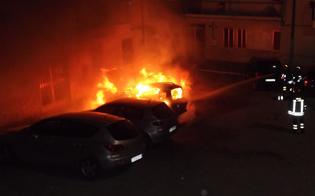 http://www.seguonews.it/raid-di-fuoco-a-gela-distrutte-due-auto-operaio-e-giovane-nel-mirino