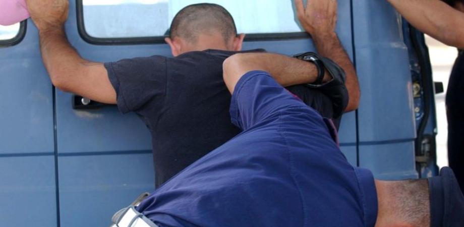 """Raccoglie dose di """"erba"""" per terra, giovane segnalato dalla Polizia a Niscemi"""