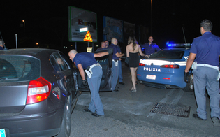 http://www.seguonews.it/controlli-antiprostituzione-a-caltanissetta-polizia-denuncia-lucciola-romena