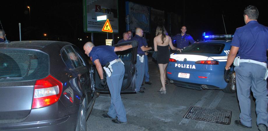 "Controlli antiprostituzione a Caltanissetta. Polizia denuncia ""lucciola"" romena"