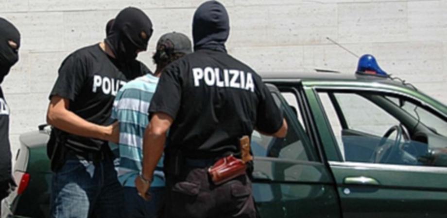 Omicidio di camorra, boss di Niscemi bloccato con la sposa prima di scappare in Belize. Deve scontare 18 anni di carcere