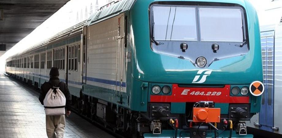 """Treni scontati, Di Paola (M5S): """"Non sia però foglia di fico. Previsti aumenti del 10% su tutte le tratte ferroviarie"""""""