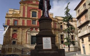 http://www.seguonews.it/il-re-coperto-protesta-lassociazione-regina-elena-solita-pulcinellata