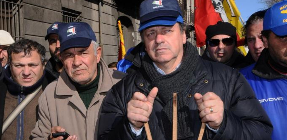 """I Forconi paralizzano l'Italia: 8 dicembre ore 22, iniziano i blocchi stradali. """"Il popolo si riprenda la sovranità"""""""