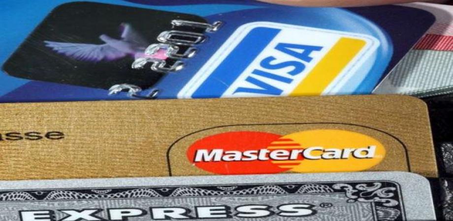 Carte di credito clonate con shopping sfrenato, altri tre casi a Caltanissetta