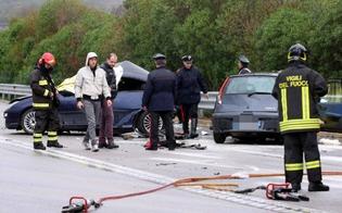 http://www.seguonews.it/scontro-frontale-sulla-palermo-sciacca-cinque-morti-ce-anche-un-bimbo-di-2-anni