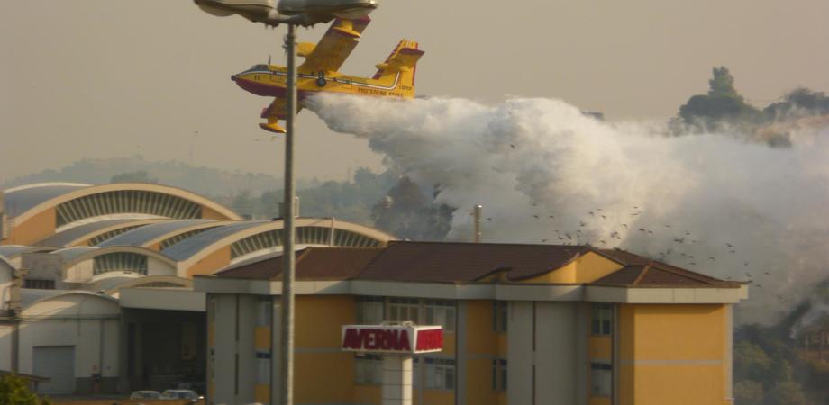 Pubblicato all'albo pretorio elenco delle zone colpite da incendi a Caltanissetta