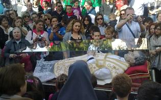 http://www.seguonews.it/commozione-preghiera-volti-sorridenti-cosi-caltanissetta-ha-abbracciato-don-bosco-le-foto