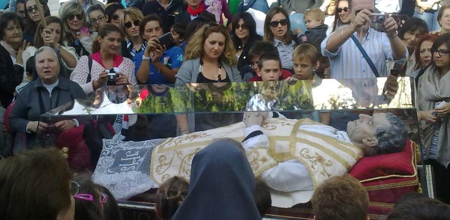 Commozione, preghiera, volti sorridenti. Così Caltanissetta ha abbracciato Don Bosco LE FOTO