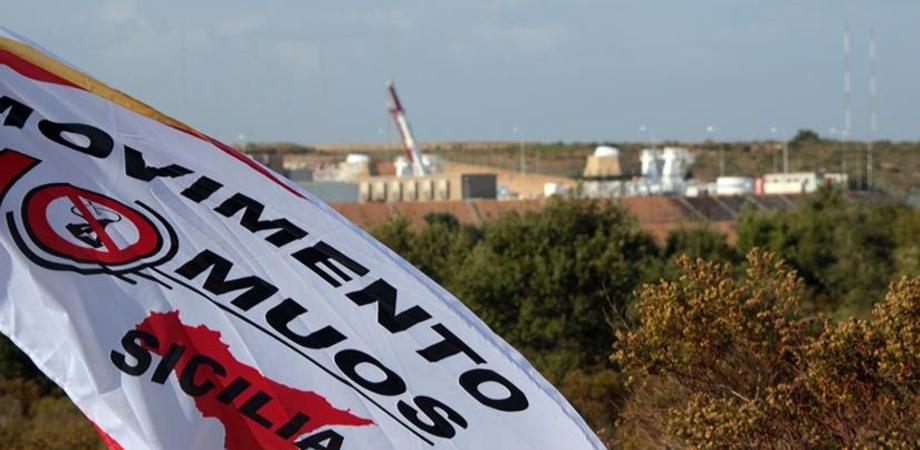 """Giornata No Muos a Niscemi: attivisti """"liberano"""" pozzo nella base Usa"""