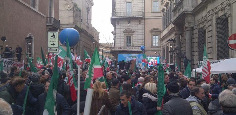 Forza Italia – Pdl Caltanissetta manifesta il sostegno a Silvio Berlusconi – Aggiornamenti in diretta da Roma