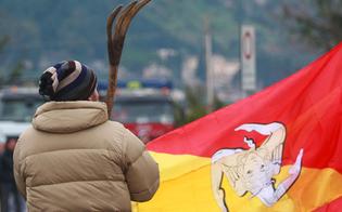 http://www.seguonews.it/8-dicembre-in-sicilia-ritornano-i-blocchi-stradali-dei-forconi-si-parte-e-non-si-torna-piu-indietro
