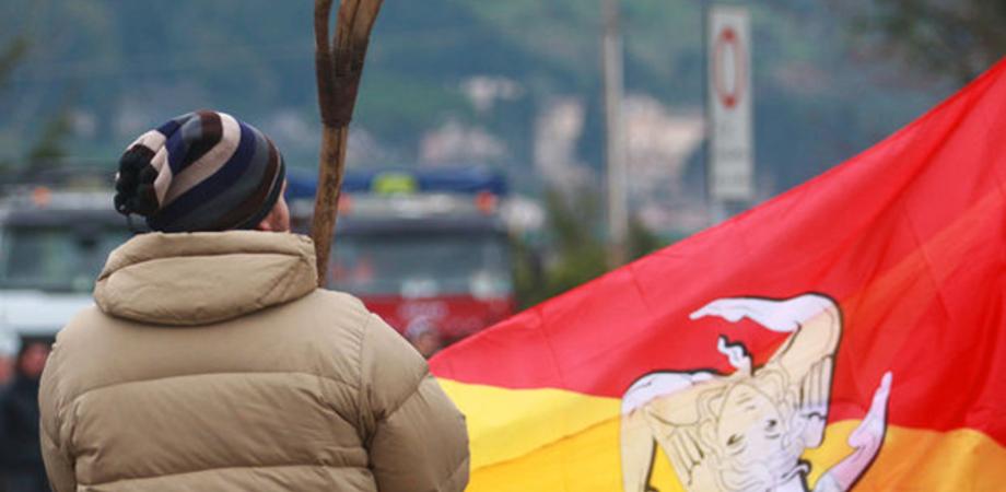 """8 dicembre: in Sicilia ritornano i blocchi stradali dei Forconi. Scarlata: """"Si parte e non si torna più indietro"""""""
