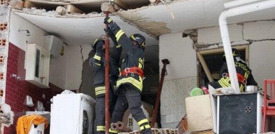 Esplode abitazione di campagna nel Nisseno: giallo sul reale obiettivo dell'attentato