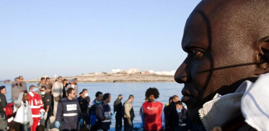Lampedusa ancora meta di approdo: 200 persone sbarcate a sud dell'isola