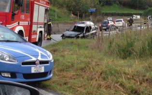 http://www.seguonews.it/auto-sbanda-finisce-contro-muro-e-prende-fuoco-illesa-la-conducente