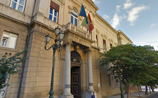 http://www.seguonews.it/libero-consorzio-comunale-caltanissetta-i-componenti-della-rsu-uffici-senza-riscaldamento-acqua-e-telefoni-sembrano-lager