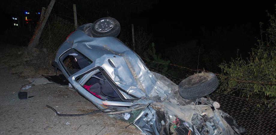 Via Xiboli: auto precipita nel burrone, giovane nisseno ferito LE FOTO