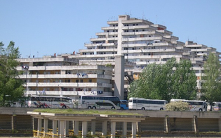http://www.seguonews.it/palermo-gambizzata-unintera-famiglia-al-quartiere-zen-2-omerta-tra-i-vicini