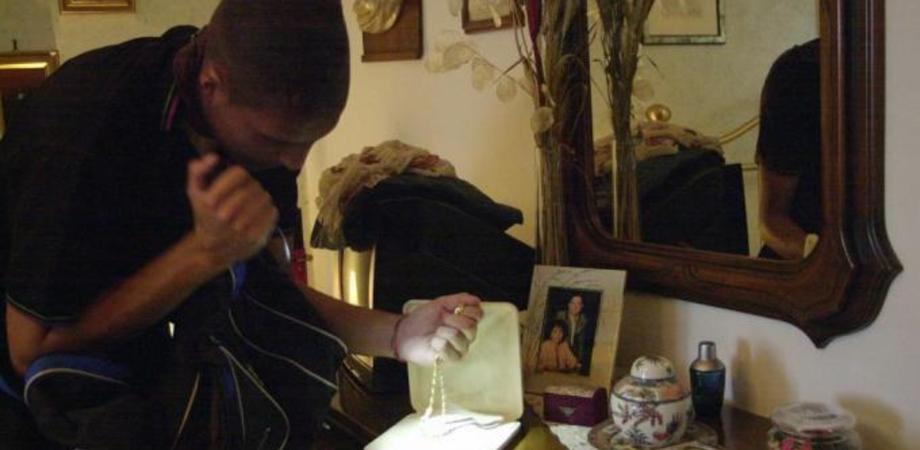 Serradifalco. Coppia festeggia le nozze d'oro, i ladri svaligiano la casa: rubati soldi e gioielli
