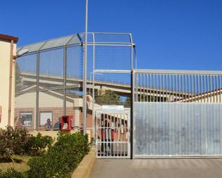 Caltanissetta. Centro per migranti di Pian del Lago, nuovo rinvio sul futuro dei lavoratori