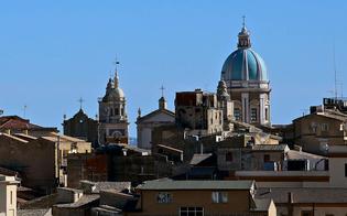 http://www.seguonews.it/caltanissetta-ultima-nella-classifica-del-sole24ore-la-cgil-politica-inadeguata-ma-noi-lottiamo-ancora