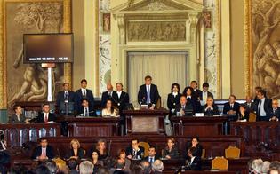 http://www.seguonews.it/allars-i-deputati-si-tagliano-lo-stipendio-di-8mila-euro-grilini-contestano-ddl-spending-review