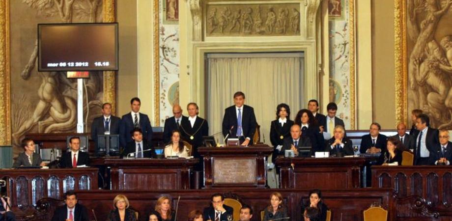 All'Ars i deputati si tagliano lo stipendio di 8mila euro. Grilini contestano Ddl spending review