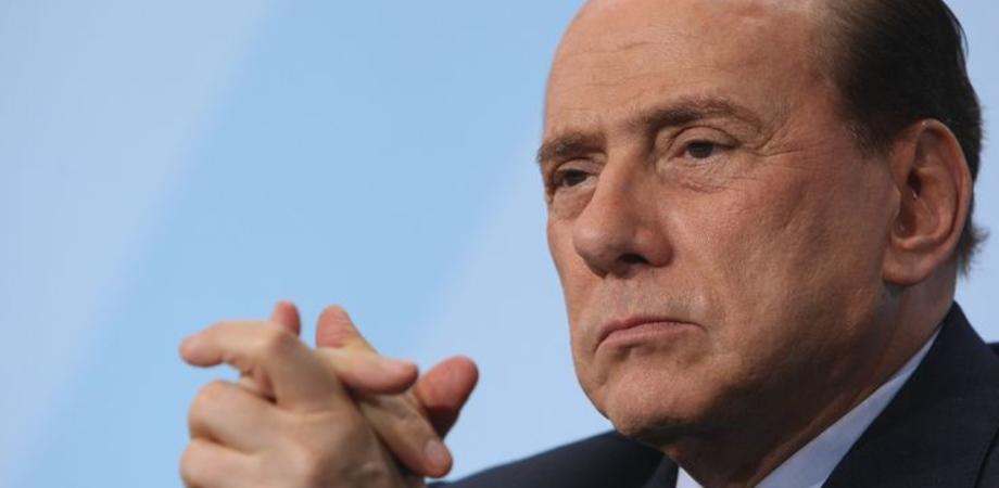 Berlusconi ricoverato al San Raffaele di Milano, trasferito in ospedale in via precauzionale