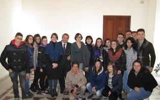 http://www.seguonews.it/progettare-una-citta-intelligente-premiata-classe-del-rapisardi-le-idee-degli-studenti-consegnate-al-sindaco-michele-campisi