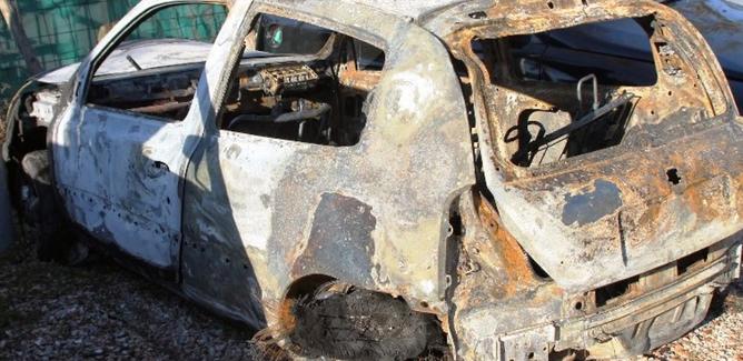Incendi d'auto senza sosta a Gela. Altre tre macchine danneggiate dalle fiamme