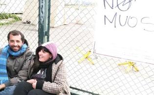 http://www.seguonews.it/muos-niscemi-installata-la-prima-parabola-attivisti-si-incatenano-al-cancello-base-usa