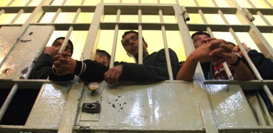 Sovraffollamento carceri, Italia peggio della Serbia. In aumento i suicidi dei detenuti