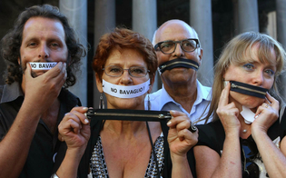 http://www.seguonews.it/regione-sicilia-imbavaglia-i-dirigenti-non-parlate-con-la-stampa