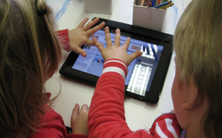 https://www.seguonews.it/gli-esperti-ragazzi-piu-tecnologici-ma-a-tavola-si-parla-di-meno-colpa-di-tablet-e-smartphone