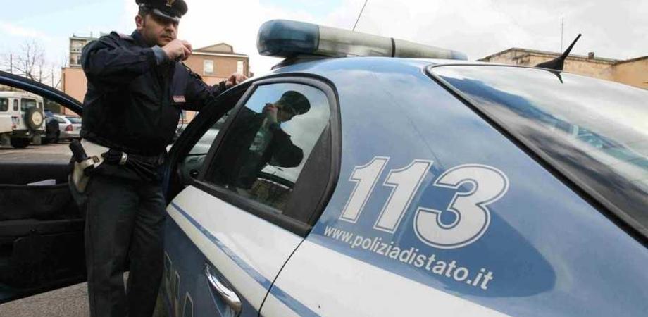 Obbligata a stare a Niscemi, saluta poliziotto a Caltagirone. Sorvegliata speciale denunciata