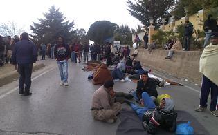 http://www.seguonews.it/trasferiti-al-nord-i-200-stranieri-che-stazionavano-fuori-il-centro-di-pian-del-lago