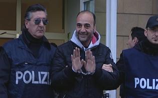 http://www.seguonews.it/affari-di-famiglia-a-gela-arrestati-5-spacciatori-pestavano-i-clienti-che-non-pagavano