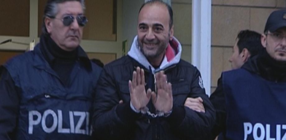 """""""Affari di famiglia"""" a Gela: arrestati 5 spacciatori. Pestavano i """"clienti"""" che non pagavano LE FOTO"""