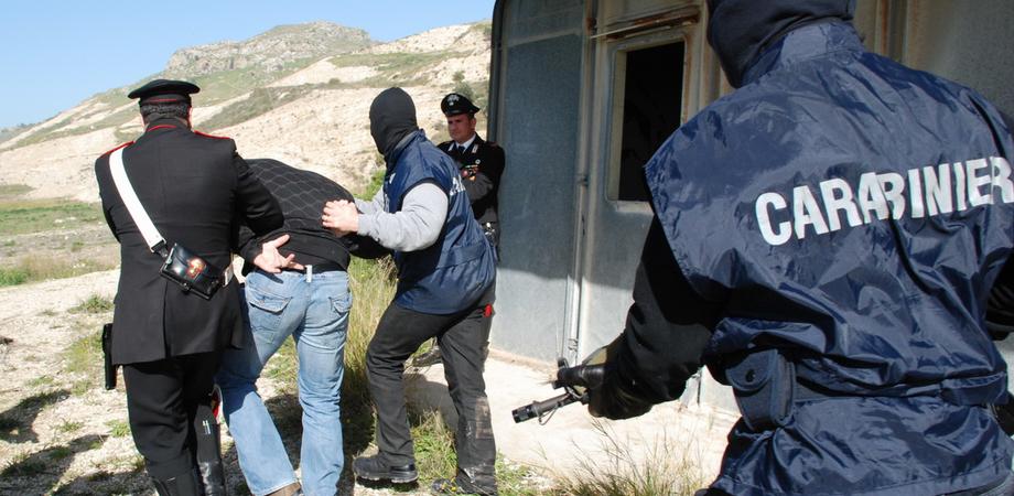 """""""Volevano uccidere un carabiniere"""". Bloccato commando tra Caltanissetta e San Cataldo, fermate cinque persone"""