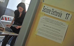 http://www.seguonews.it/turno-di-ballottaggio-affluenza-in-calo-alle-12-in-provincia-di-caltanissetta-e-stata-del-1004-per-cento