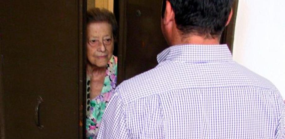 A Caltanissetta anziana derubata con la truffa del ciuccio. Terzo caso in poche settimane, l'allerta della Polizia