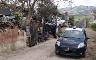 http://www.seguonews.it/san-cataldo-sepolto-in-casa-dai-rifiuti-con-moglie-e-figli-denunciato-disoccupato-le-foto