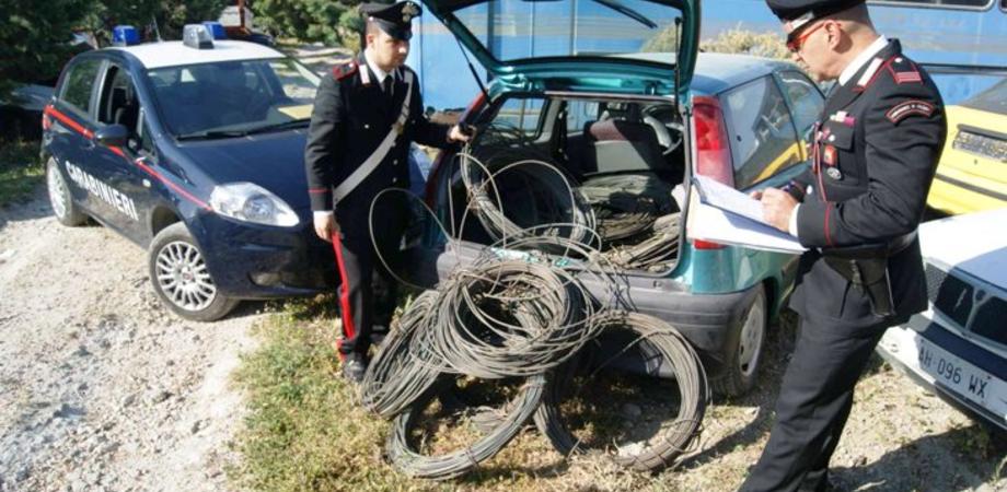 Ladri di rame scoperti a Caltanissetta. Carabinieri sventano furto: caccia a due banditi in fuga