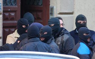 http://www.seguonews.it/mafia-prostituzione-minorile-racket-20-arresti-blitz-squadra-mobile-preso-reggente-clan-san-cataldo