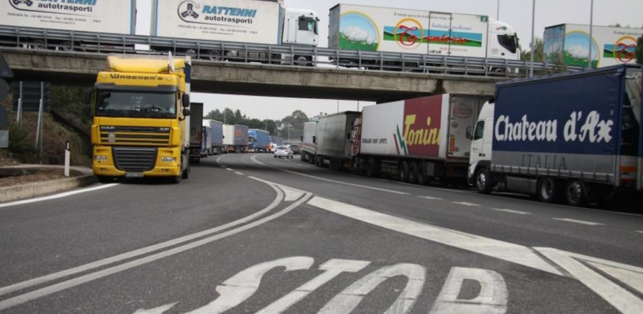 Autotrasporti, dal 24 al 28 marzo sciopero in Sicilia. Tir fermi, niente blocchi stradali