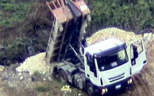 http://www.seguonews.it/san-cataldo-scarico-illegale-di-rifiuti-tre-denunciati-sigilli-a-terreni-e-camion