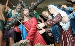 http://www.seguonews.it/la-varicedda-gesu-incontra-la-madre-oggi-alla-chiesa-dellassunta-il-lavoro-della-restauratrice-adriana-sillitti