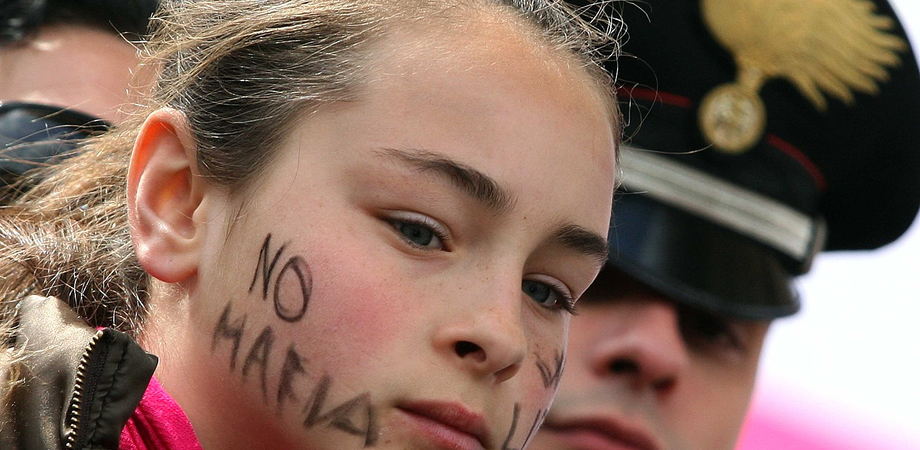 Legalità. La mafia è più forte dello Stato per il 39% degli studenti siciliani. Scarsa fiducia verso i parroci e i sindacalisti
